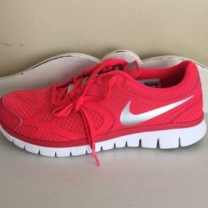 Nike Shoes - New in box Nike flex 2012 RN sneakers